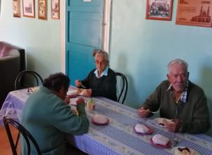 Comedor de ancianos retoma la atención presencial de sus beneficiados durante 3 días a la semana